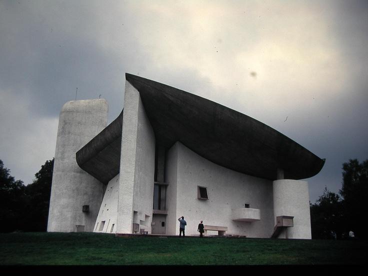 コルビュジェのロンシャン礼拝堂