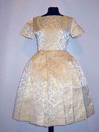 Rochie de ocazie vintage din brocart anii '50 http://www.vintagewardrobe.ro/cumpara/rochie-de-ocazie-vintage-din-brocart-anii-50-4653737