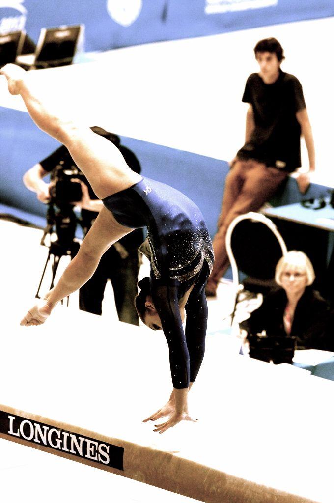 Aliya Mustafina--Beam Finals 2013 Worlds