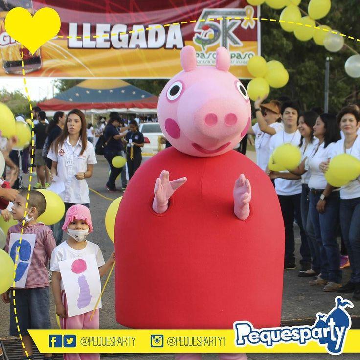 #Peppa siempre dispuesta a participar en todo tipo de eventos PequesParty Fabrica de Sonrisas! #peppapig #personajes #caminata #pequesparty #animacion #mcbo #inflables #zulia #vzla