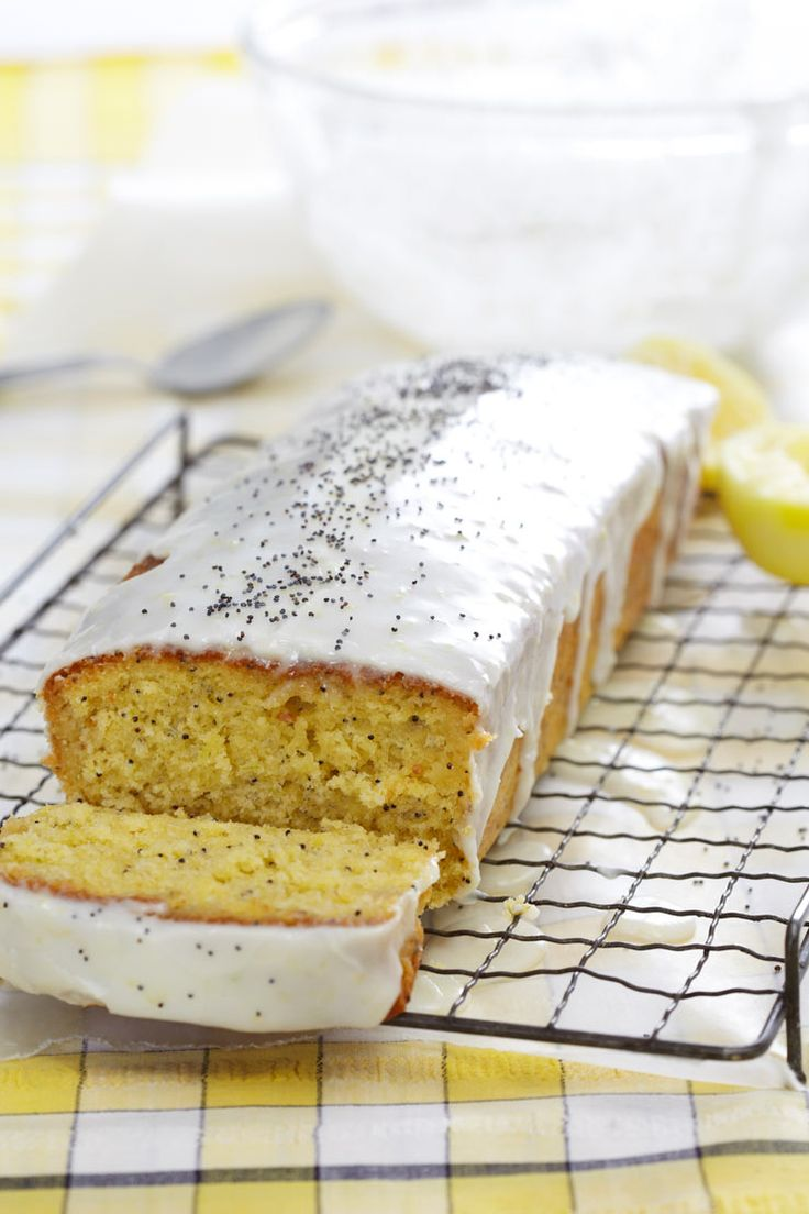 i baked this yesterday and it really is the best lemon drizzle cake ever.....