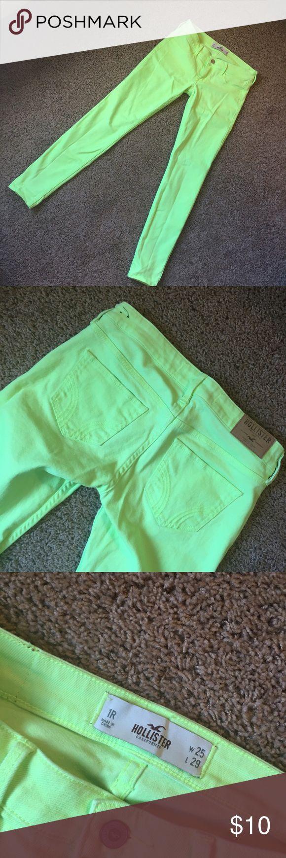 Highlighter yellow skinny jeans EUC skinny jeans from Hollister, size 1R. Hollister Jeans Skinny