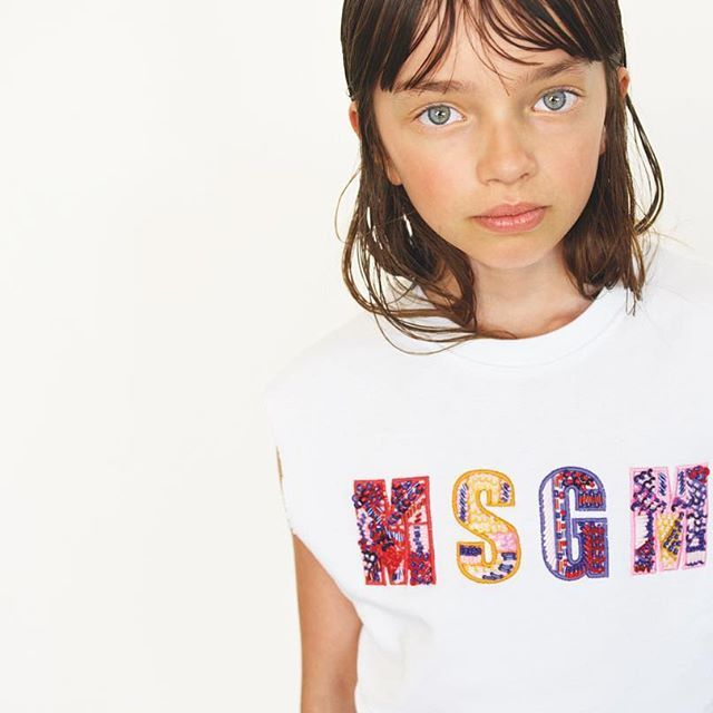Spring is wonderful but summer is better 💃🍓✨ #msgmkids #springsummer2017 //// #fashiongirl #tshirt #tee #ss17 #swag #sportswear #kidswear #kidswear #kidsshoes #kidsclothing #madeinitaly #msgmkids #msgm #msgmmilano