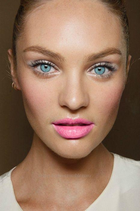 20 hübsche Barbie-Puppe Make-up-Ideen für Sweet Hearts