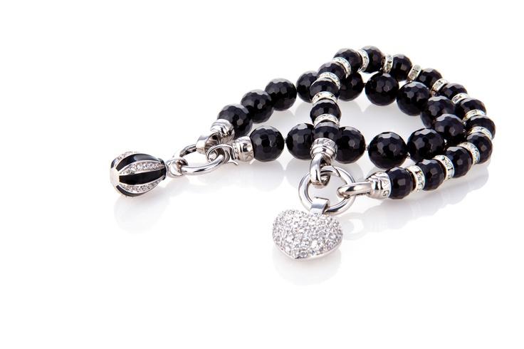 Samen met deze twee #KAGI #armbanden.   Kagi Jewellery. #Bracelets #black