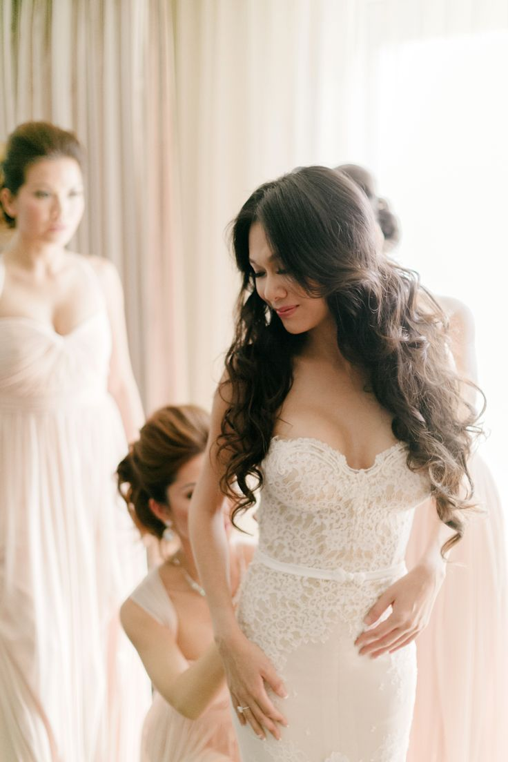 Lisa and Caesar's wedding at the St. Regis Monarch Beach, fairytale beach wedding, mermaid style Inbal Dror gown, ivory lace, tulle train, bride getting ready, bride and bridesmaid, Jana Williams Photography http://loveluxelife.com/love-lisa-and-caesar-st-regis-monarch-beach/