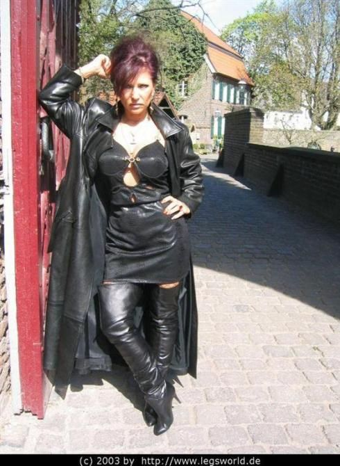 699 Best Mature In Leather Images On Pinterest Goddesses