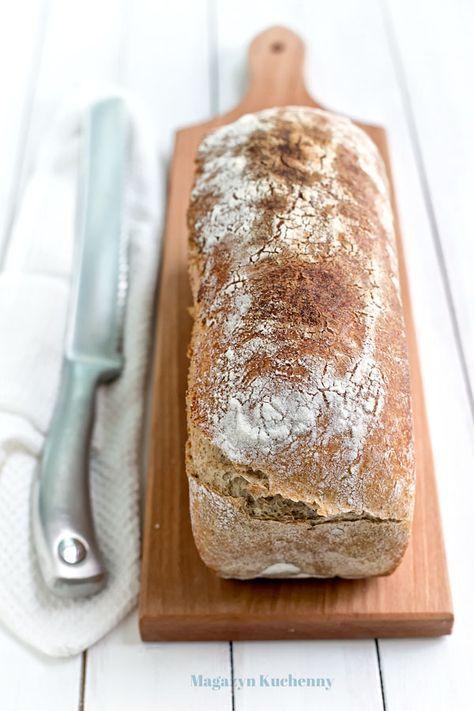 Podstawowy przepis na chleb pszenno-żytni na zakwasie. Prosty, domowy chleb z mąki pszennej i żytniej pieczony na naturalnym zakwasie.