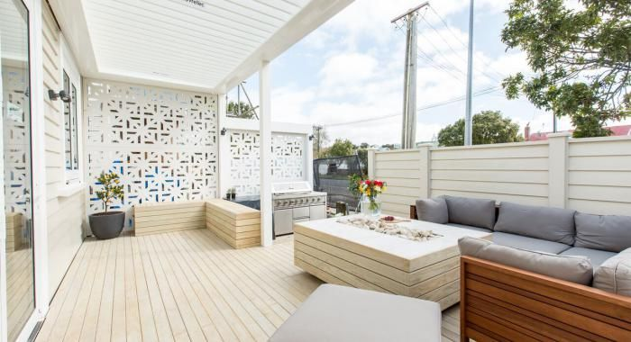 Shady Situations; Creating the Ultimate Outdoor Space. Read more on the Blog #kiwihomes #nzhomes #nzdesign #weatherboard #designerarchitecture #outdoors