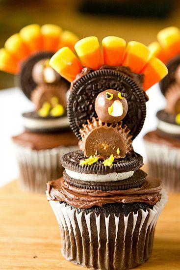 Thanksgiving Turkey Cupcakes...so cute