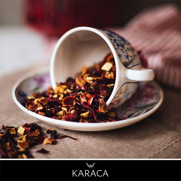 Çay, bir kültürdür bizim için. Demlenmesi, sunulması, içilmesi başlı başına bir anlam taşır.