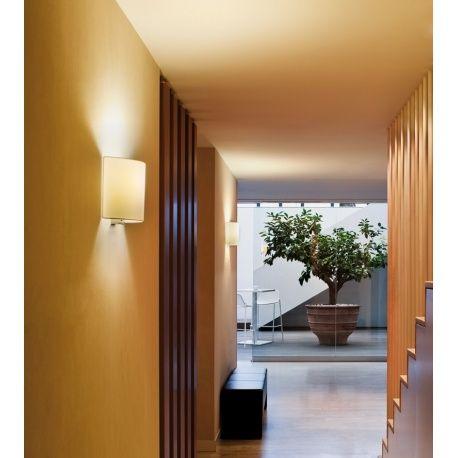 Vibia lámpara aplique Combi.   Ambients iluminación te ofrece los mejores precios en primeras marcas de iluminación. Visítanos !  http://ambientsiluminacion.com/apliques-pared/119-combi.html