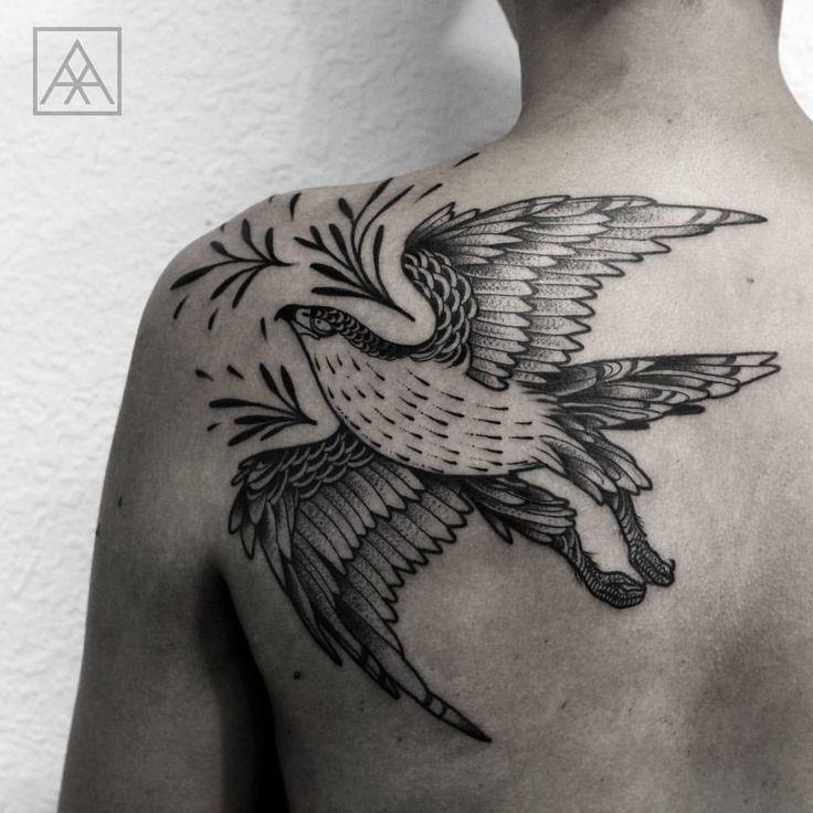 "maxvorax: "" Hawk tattoo Agendamentos: maxvorax@gmail.com #blackwork #blackworkerssubmisson #btattooing #blacktattooart #blackworkbrasil #darkartists #onlyblacktattoos #onlyblackart #skinartmag #equilattera #inkinstinctsubmission #stabmegod #tattrx..."