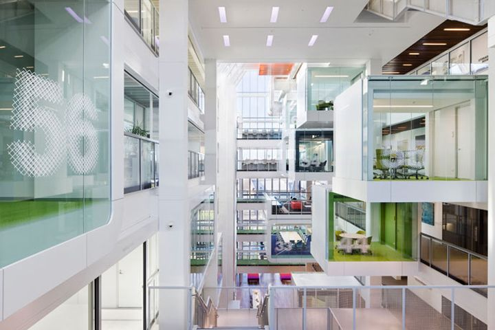 Macquarie Group headquarters by Edward Ogosta Architecture, Sydney office design