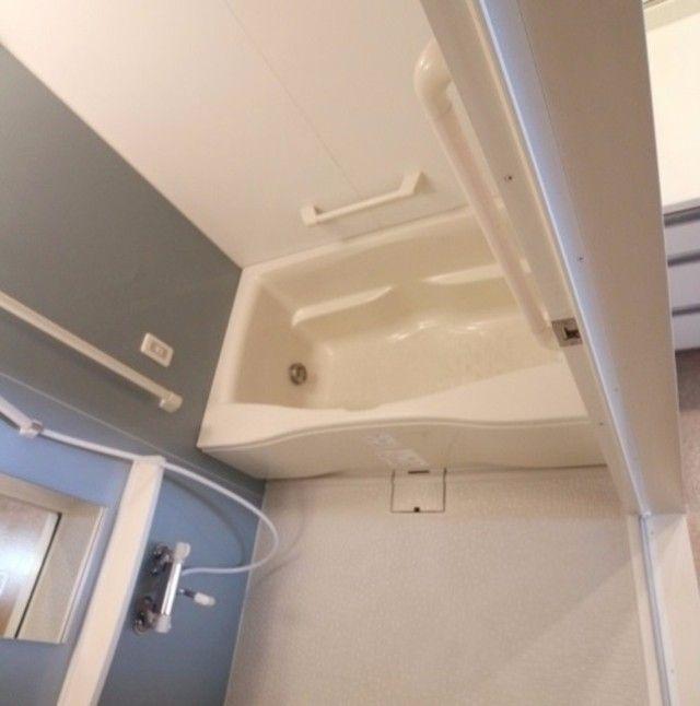 放っておくと後で困る お風呂場のドアの掃除方法 お風呂場 掃除 浴槽