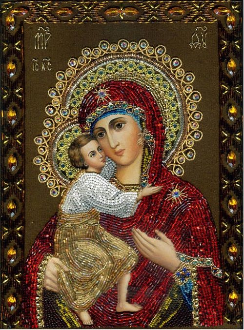 Maria Yantovskaya's icons embroidered with stones and beads