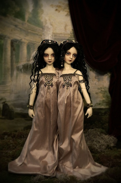 Evvie and Lilah by milkeye land