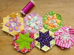 .: Paperpiec, Quilts Patterns, Projects, English Paper Piecing, Hands Sewing, English Paper Pieces, Quilts Blocks, Paper Pieces Tutorials, Hexagons