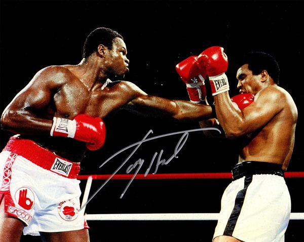 Larry Holmes Signed Boxing Puching Muhammad Ali Action 8x10 Photo
