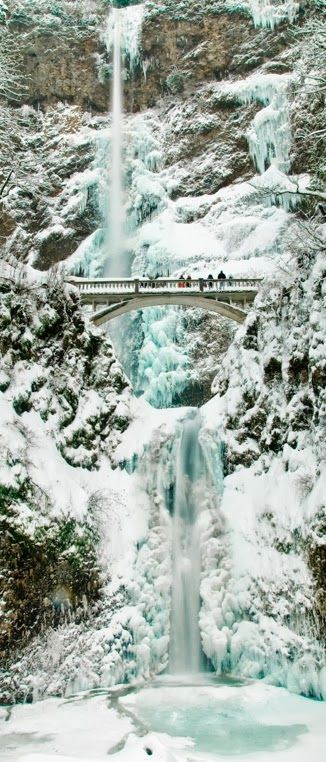 Snow and ice over Multnomah Falls, Columbia River Gorge, Oregon, United States.
