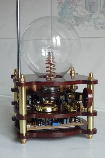 readers' lightning detectors