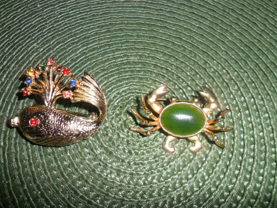 Two Vintage Costume Jewelry Pins From The Ocean by PandBTreasures, $8.00