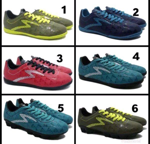 Pin Di Sepatu Futsal Specs