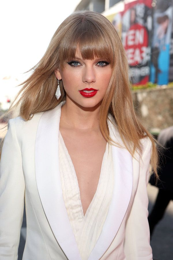 The Most Talked About Bangs In History Taylor Swift Hair Hairstyles With Bangs Hairstyle