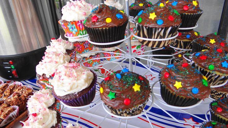 Cupcakes de vainilla y chocolate con nutella....