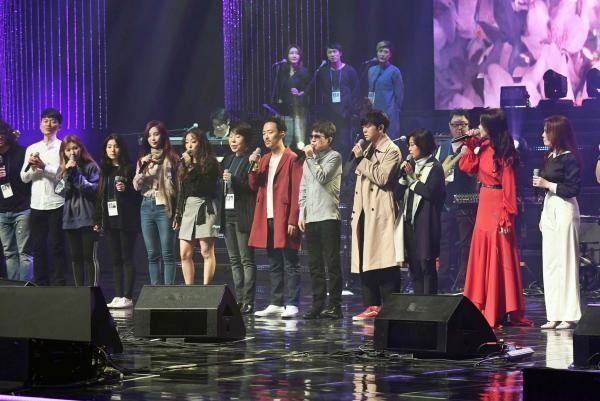Report North Korean Teenagers Punished For Dancing To K Pop Music Korean Girl Band Concert K Pop Star