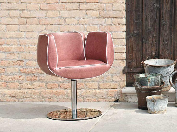 Quando comfort e design rendono più piacevole l'ambiente di lavoro. #interiordesign #office Poltroncina imbottita Tulip | Sedie e Tavoli