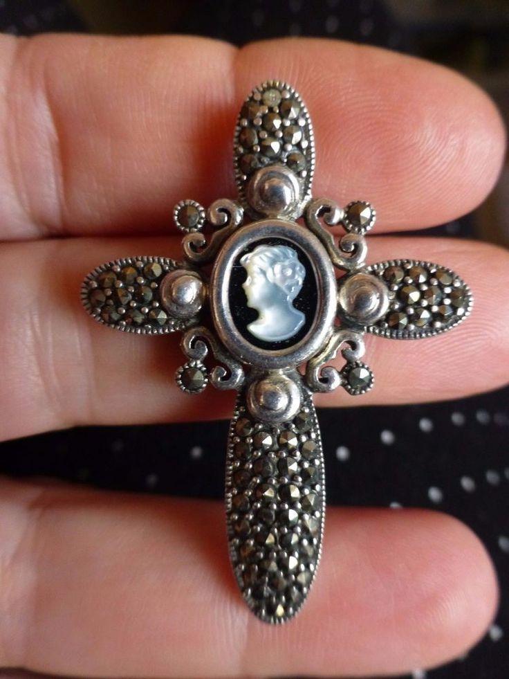 Joli pendentif CROIX STYLE ANCIEN ARGENT 925 avec marcassites et camée nacre