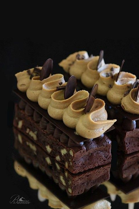 Brownie con crema de café y ganache de chocolate