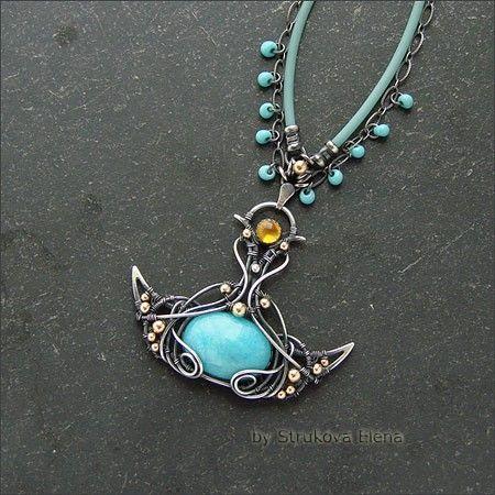 Небольшое, изящное ожерелье с амазонитом и цитрином.