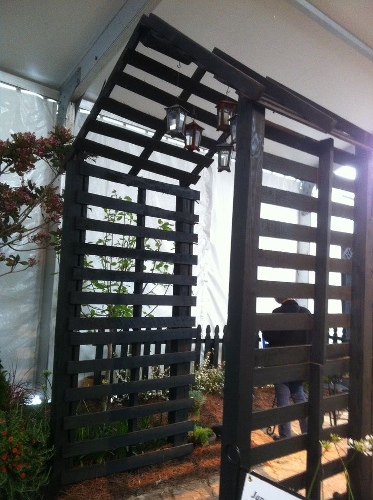 arbors from pallets | ... of Flowers, Mobile AL-- Arbor made from wood pallets and 4x4 posts