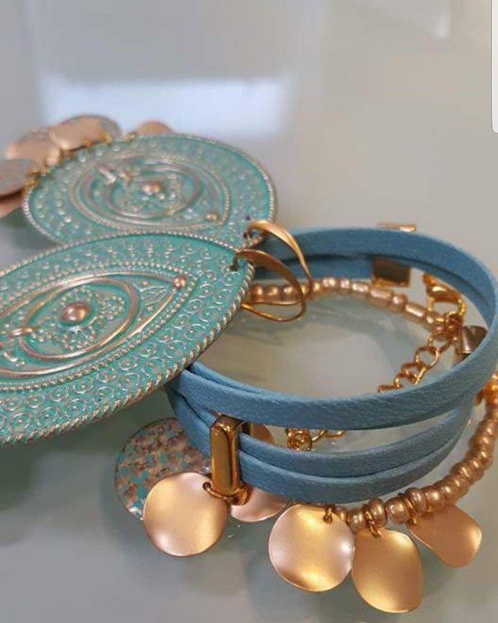 Das orientalische Mint-farbene Accessoires Set enthält ein Doppler gelegtes mint Armband mit einem golden Plättchen als Anhänger, ein goldenes Perlenarmband mit mehreren dieser Plättchen ,und einem schönen Anhänger. Die großen mint-Ohrringe passen super zu dem orientalisch angehauchten Look.