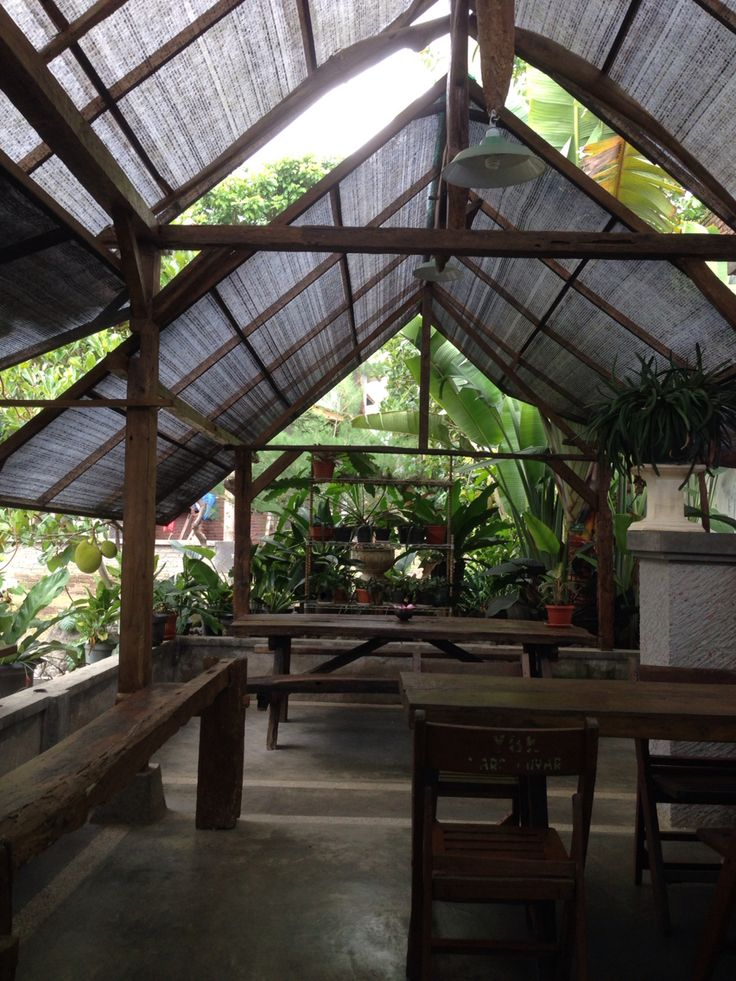 Green House Cafe using reclaimed teak wood