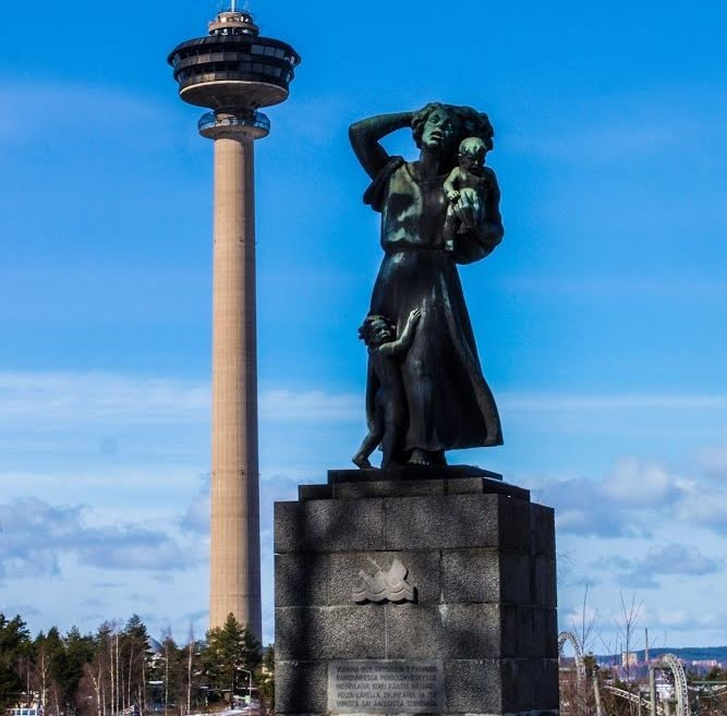Memorial of the worst inland water ship disaster in Finland. 7.9.1929 Kuru ship capsided in storm near light beacon Siilinkari, and 138 people perished. Statue by Yrjö Liipola, 1940.