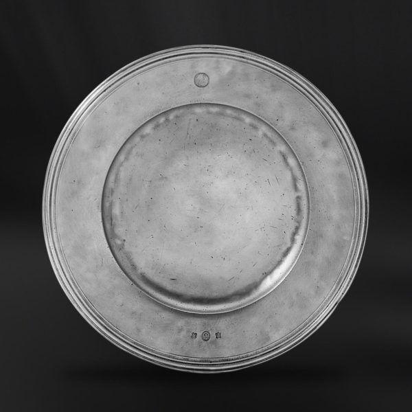 Pewter Plate - Diameter: 45 cm (17,5″) - Food Safe Product - #pewter #plate #dish #peltro #piatto #zinn #teller #zinnteller #étain #etain #assiette #plat #peltre #tinn #олово #оловянный #tableware #dinnerware #table #accessories #decor #design #bottega #peltro #GT #italian #handmade #made #italy #artisans #craftsmanship #craftsman #primitive