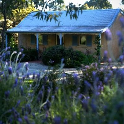 Clare Valley Tourism - Riesling Trail Cottages