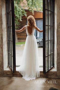 Wedding dress 'GWENDOLINE' / Elegant wedding dress, boho wedding dress, boho chic, bohemian wedding dress, romantic open back wedding dress