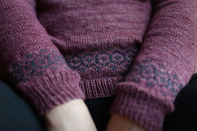 Stasis Pullover by Leila Raabe