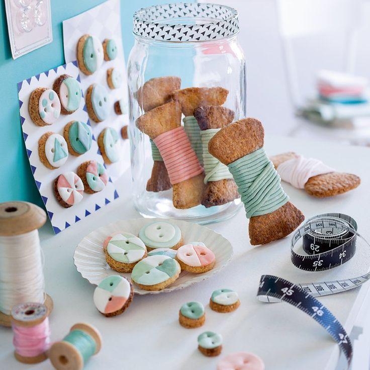 Recette : des biscuits en forme de boutons et de bobines / Recipes : boutons shaped cookies  - Marie Claire Idées
