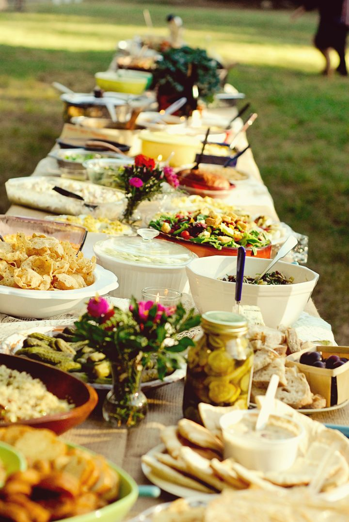 outdoor: Wedding Parties, Buffet Tables, Style, Potlucks Wedding, Wedding Potlucks, Pots Luck, Perfect Wedding, Gardens Parties, Wedding Meals