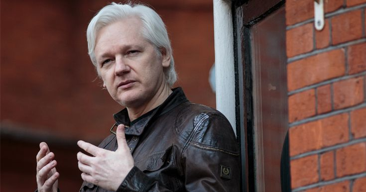 Wikileaks to Expose Hillary Clinton's Ties to Russia & Seth Rich, 4Chan Predicts