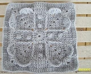12 inch squareCrochet Granny, Free Pattern, Wedding Gift, Free Crochet, Crochet Squares, Granny Squares, Crochet Patterns, Crochet Knits, Dragonflymomof2 Design