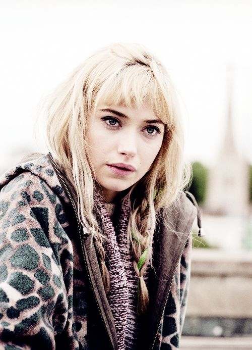 "FILM: A long way down - ""everyone knows how to talk, and no one knows what to say.""Imogen Poots"