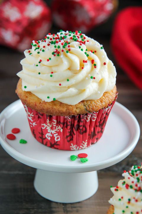 These One-Bowl Eggnog Cupcakes are perfect for the eggnog fanatic in the family. It's the perfect pastry to decorate your dessert table with.