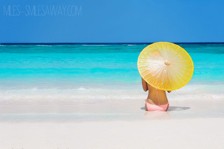 Loving the blue ocean in Maldives. Amazing colours! Relaxing at the beach at Cheval Blanc Randelhi in Maldives.