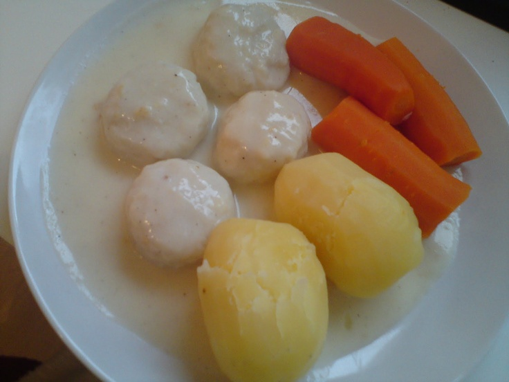 More Norwegian goodness; Fiskeboller with carrots and potatoes!  Nothing like Grandma's cooking!
